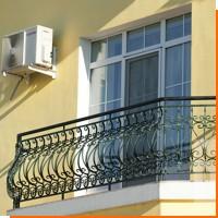 Ограждения для балкона с элементами ковки