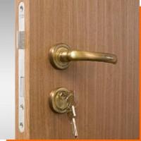 Как обновить деревянные двери