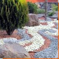 Применение цветных отсыпок для сада